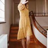 La petite robe jaune. ☀️ Disponible en ligne. Nous, on part en week-end !  Bon week-end à tous .... #secondfemale #pioupiou #liberty #fleuri  #romantisme #robe #jaune #ocre #plage #dune #longuerobe #blonde #skndnv