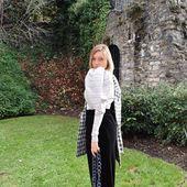 Basé à Copenhague, le label ROTATE BIRGER CHRISTENSEN a été fondé par les stylistes et influenceuses Jeanette Madsen et Thora Valdimars en partenariat avec la boutique de luxe Birger Christensen. Le mot d'ordre ? La robe parfaite. 💚