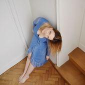 Maintenant vous allez me croire quand je vous dis que les paillettes me retournent la tête ! Ahah 😅 La robe Nadia est sûrement ma favorite... Disponible dans (presque) toutes les tailles sur l'eshop ! On saute sur l'occasion... #robe #robebleue #bleu #resumecph #paillettes #robeportefeuille #love #skndnv #ootd