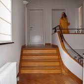 S'enfuir en robe Branch.  Hé, vous avez remarqué ? Encore du jaune !  Vous avez déjà craqué pour cette couleur ? ☀️ #secondfemale #pioupiou #liberty #fleuri  #romantisme #robe #jaune #ocre #plage #dune #longuerobe #blonde #skndnv