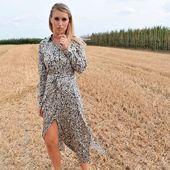 La robe Wisely a fait fureur durant ce début de magasin éphémère ! Elle est encore disponible en XL en ligne et en magasin ! 🤩⠀ Nous sommes ouverts jusque 18h30, venez profiter du soleil avec nous ☀️